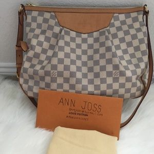 Authentic preowned lv Siracusa MM Azur